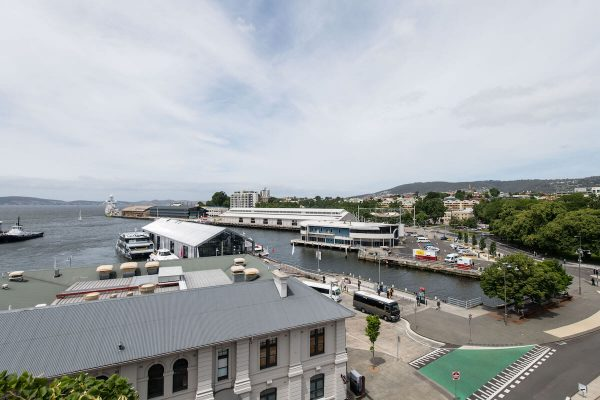 Gibsons Mill 3 bedroom penthouse Hobart Apartment