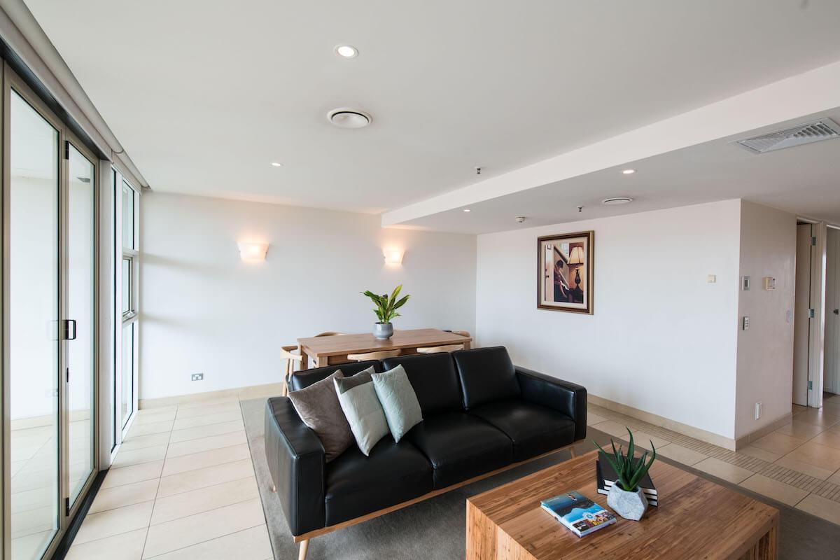 XL 1 bedroom Hobart apartment
